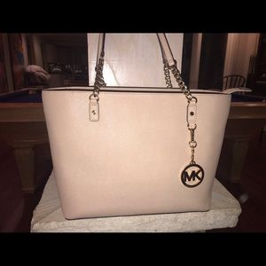 Bags - Michael Kors Blush Chain Leather Tote